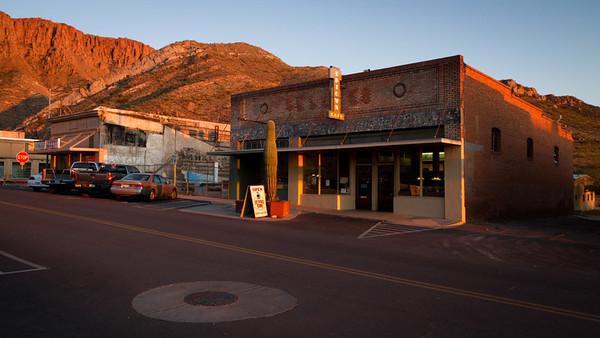 Kavárna, kde se část filmu odehrávala.
