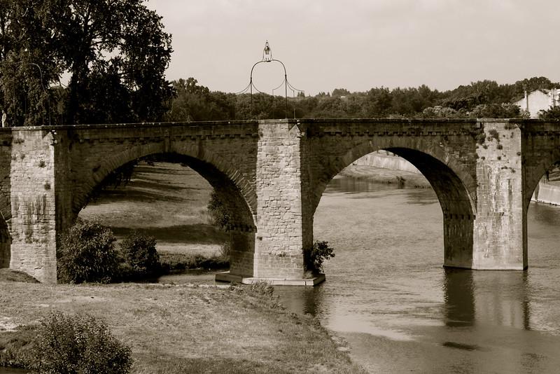 Vieux pont sur l'Aude