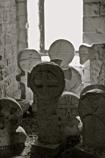 Stèles médiévales, château comtal