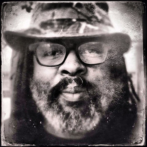 Alvin Youngblood Hart - Musician