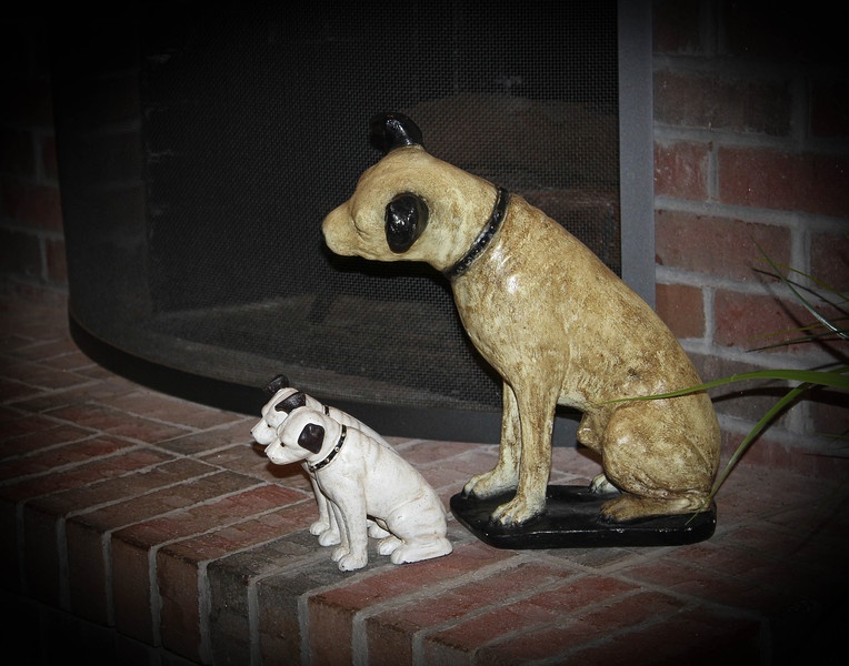 Nipper and RCA Pups<br /> Gene Andrews
