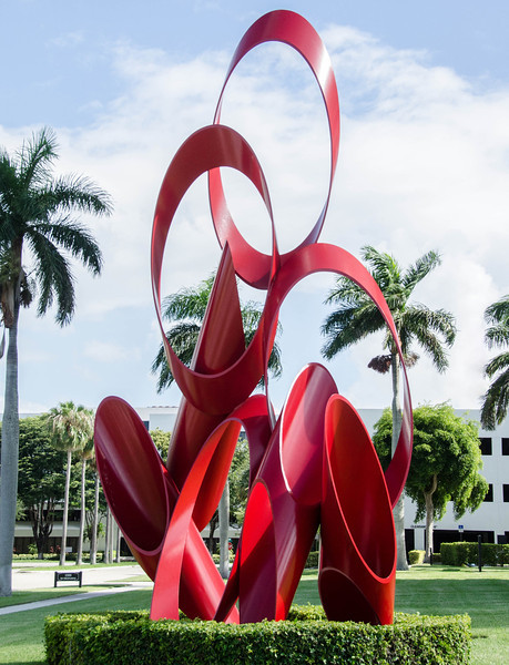Sculpture on Palm Beach Lakes Blvd