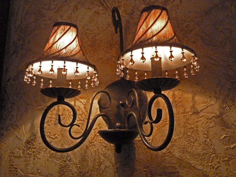 Delicate Sconce