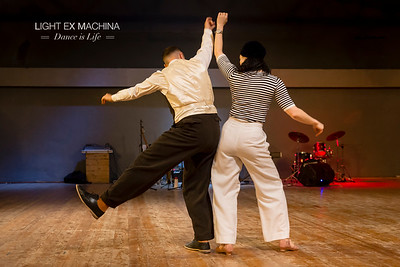 ✰ Dance is Life serie ✰ Desert Stomp 2017, teachers introduction: Sharon Davis and Felix  Berghäll playing together :D ☞ Full serie: https://buff.ly/2EiNXaQ  Feel free to share on social media with the author's credit and no crop, for non promotional and non commercial use. © LIGHT EX MACHINA 2017, all other rights reserved.
