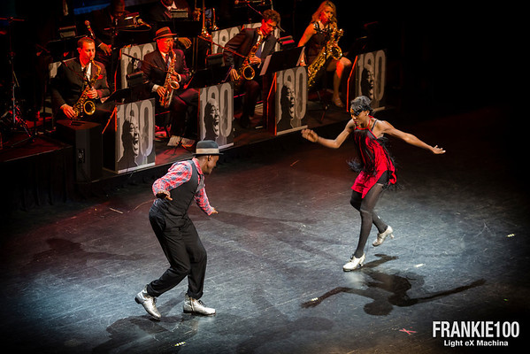 Show at Harlem's Apollo Theater