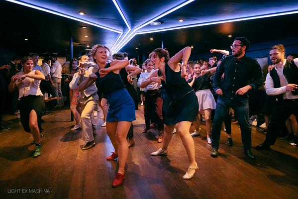 Un bref apercu de la formidable ambiance de la Moonlight Cruise du 25/09/2021 organisée par Groov'It - Dance Studio.  📸 Alexandre - LIGHT EX MACHINA  Partage libre en créditant l'auteur, sans recadrage, pour toute utilisation non promotionnelle ou commerciale.
