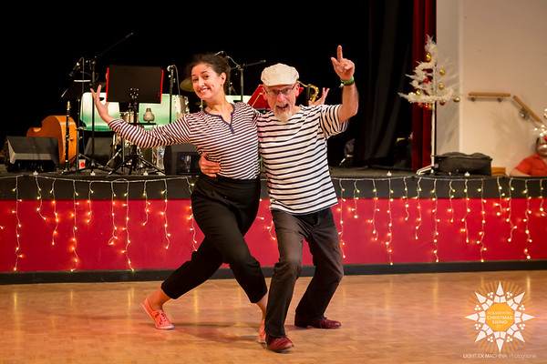 Strasbourg Christmas Swing 2017 - 30s showcases  Contact the photographer for commercial usage. Feel free to share on social media with the author's credit and without cropping, for non promotional and non commercial use.  © Light eX Machina 2017, all other rights reserved.  Better quality pictures on http://www.lightexmachina.com/Chambre-noire-Darkroom/Dance/Strasbourg-Christmas-Swing-2017
