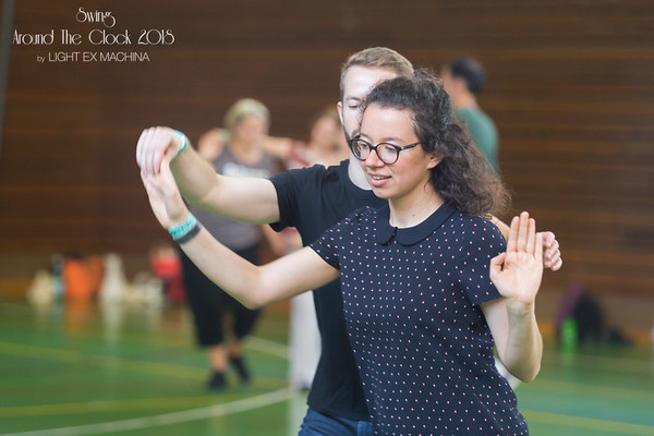 Classes at Swing Around The Clock 2018, photo by LIGHT EX MACHINA  Feel free to share on Facebook with the author's credit and no crop, for non promotional and non commercial use.  Better quality pictures on my web gallery http://www.lightexmachina.com/Chambre-noire-Darkroom/Dance/SwingAroundTheClock-2018/  © LIGHT EX MACHINA 2018, all other rights reserved.
