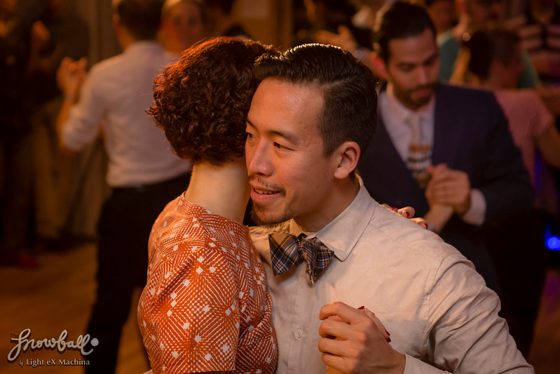 The Snowball 2016, the evening of December 30  http://www.lightexmachina.com/Chambre-noire-Darkroom/Dance/The-Snowball-2016-12-30/  Feel free to share on Facebook with the author's credit and no crop, for non promotional and non commercial use. © Light eX Machina 2016, all other rights reserved.