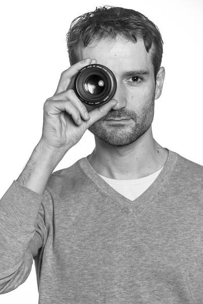 L'oeil du photographe. Autoportrait. Etude de portrait studio. Réalisé avec Guillaume et Nicolas
