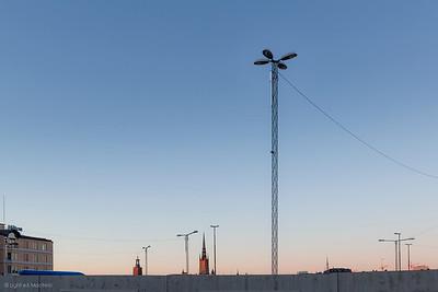 Un crépuscule à Stockholm  Exploration fugace de Stockholm, à ce moment du jour entre ombres bleutées et couchant orangé, si particulier à ces latitudes nordiques.  Copyright: Light eX Machina - CC BY-NC-SA 4.0 http://creativecommons.org/licenses/by-nc-sa/4.0/