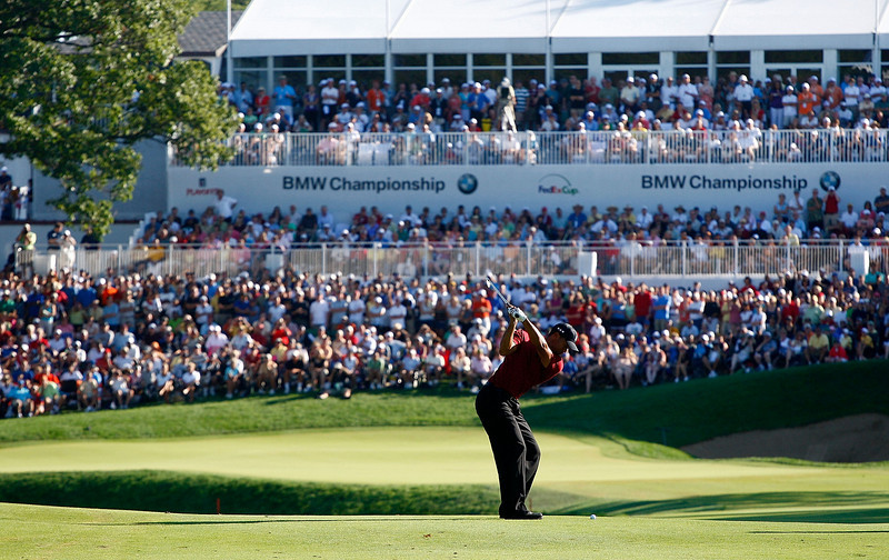 LEMONT, IL - SEPTEMBER 13:  Tiger Woods hits his approach shot to the 18th green during the final round of the BMW Championship held at Cog Hill Golf & CC on September 13, 2009 in Lemont, Illinois.  (Photo by Scott Halleran/Getty Images) *** Local Caption *** Tiger Woods