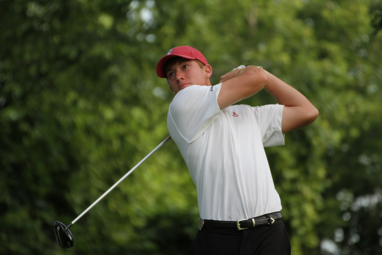 Robby Shelton tees off during the first round of the 2014 Western Amateur.