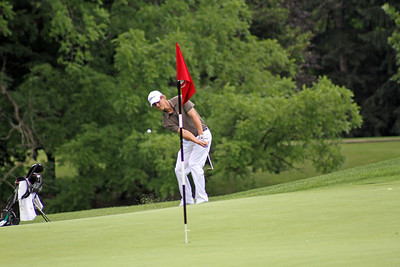 This junior attempts to stop a flop shot short of the flag stick during the opening round of the 96th Western Junior at Meridian Hills Country Club. (WGA Photo/Ian Yelton)