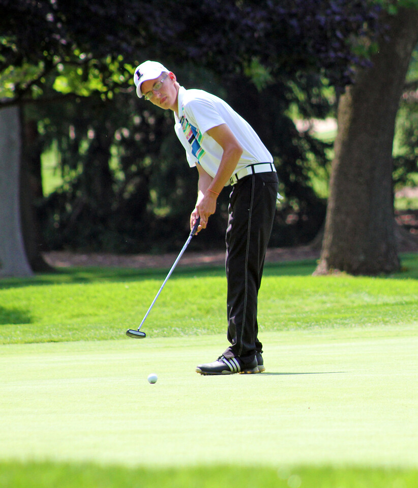 The only player from Indiana in the top 10, Dylan Meyer, of Evansville rolls a putt during the third round of the 96th Western Junior at Meridian Hills Country Club.