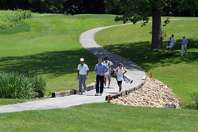 Players head down the hill that leads to the third green during the first round of the 96th Western Junior at Meridian Hills Country Club. (WGA Photo/Ian Yelton)