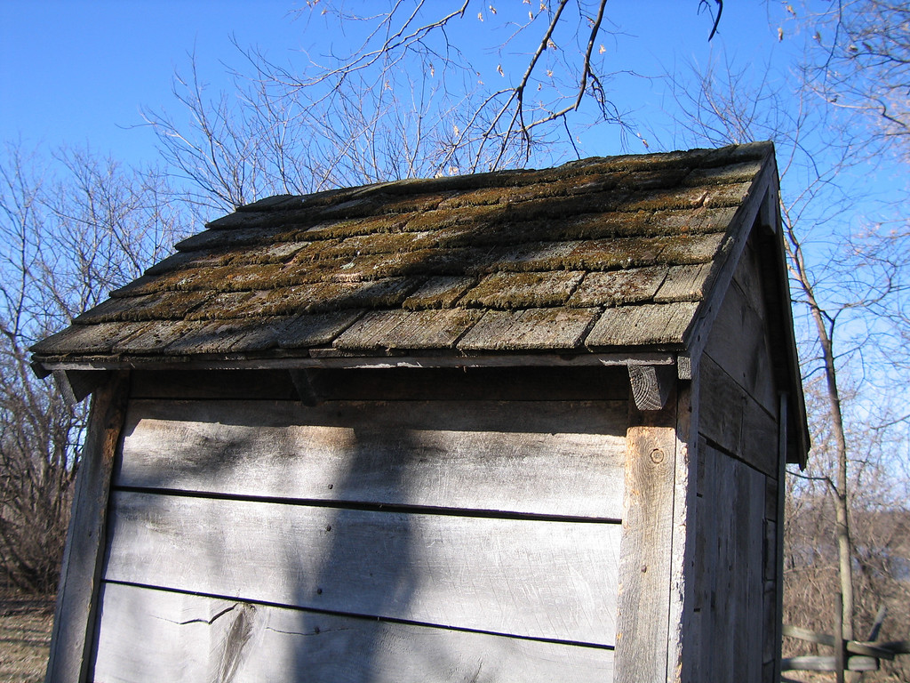 33 Outhouse Roof Detail