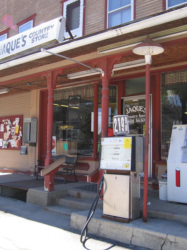 08 Jaques Store Porch detail