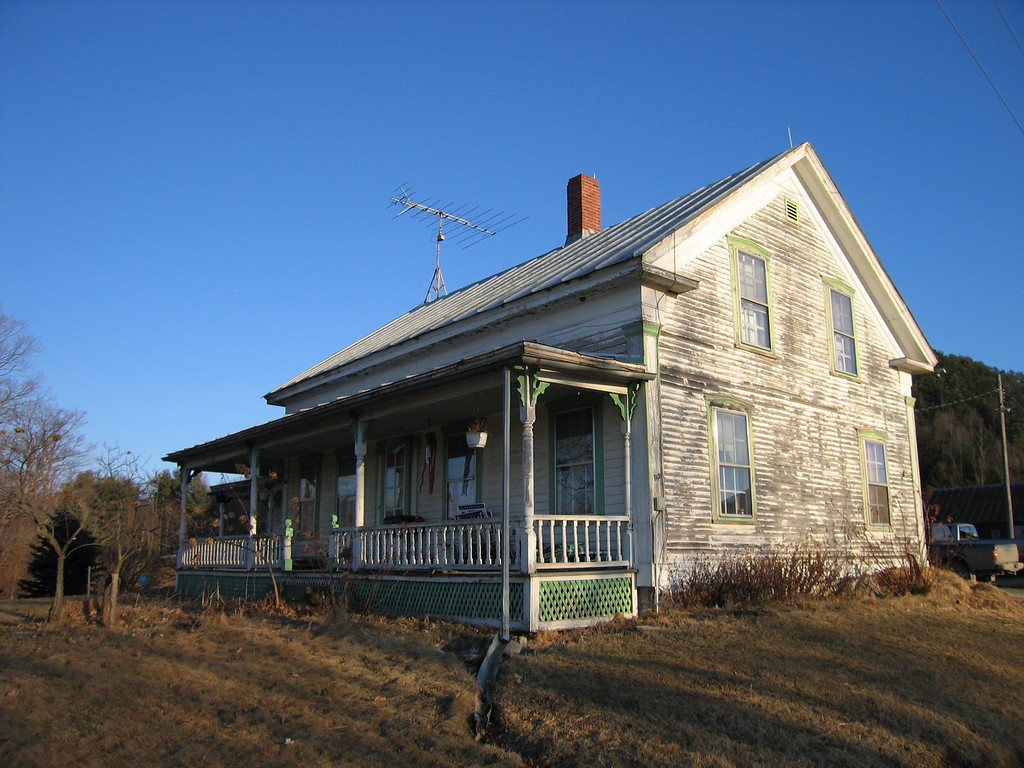 24 House with Porch