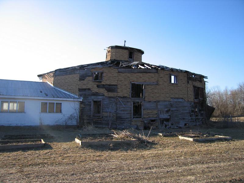 09 Round Barn with Annex