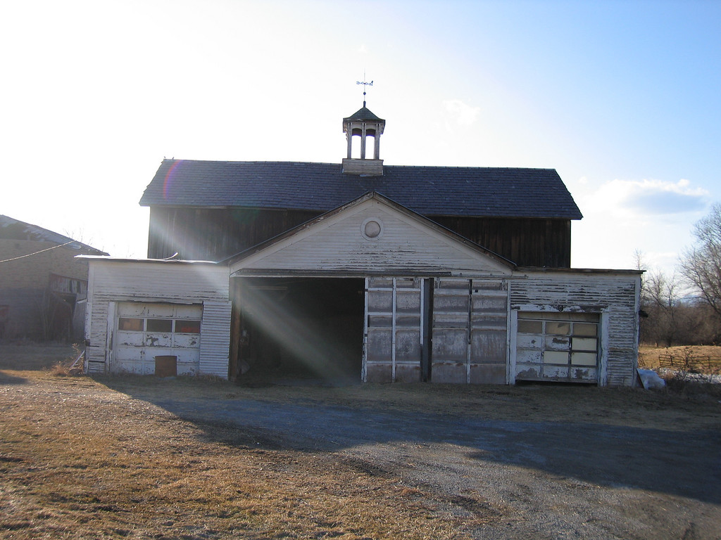 15 Horse Barn Front with Garage