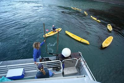 Island Packers loading kayaks, Santa Cruz Island. gr_3412
