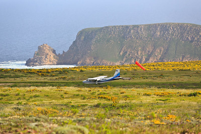 Channel Islands Aviation arrives