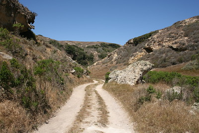 Road leading past Lobo Canyon, Gopher Rock