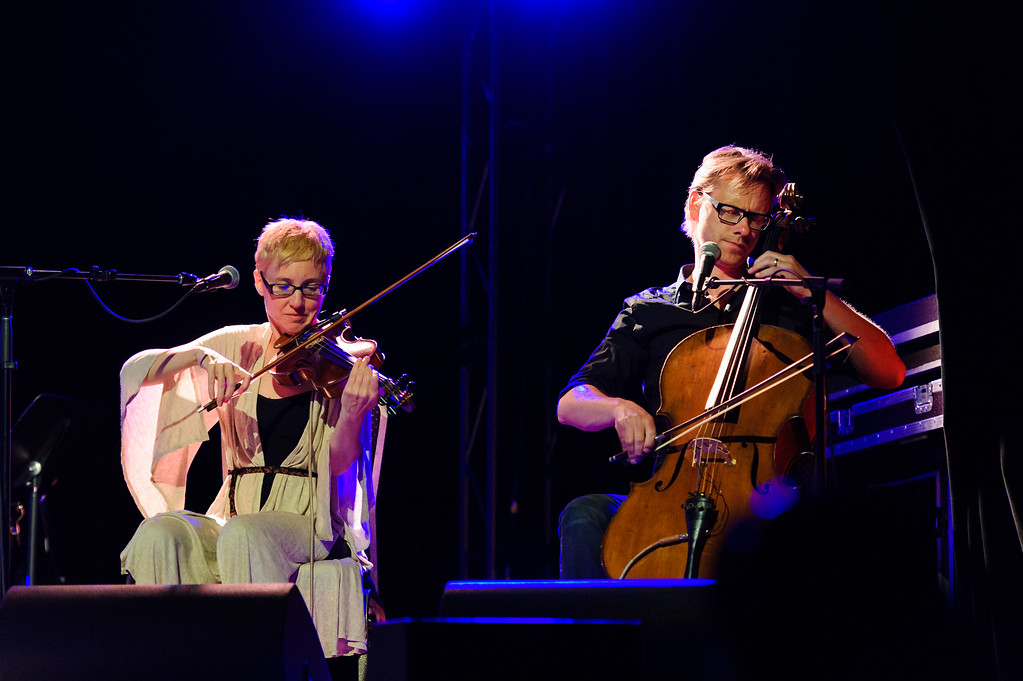 Chantal Kreviazuk & Raine Maida