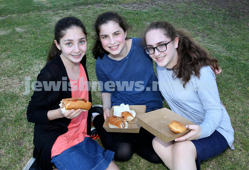 Chanukah on the Green combined North Shore shules Chanukah Party. (from left) Rachel Treisman, Rivka Schapiro, Esther Israel. Pic Noel Kessel.