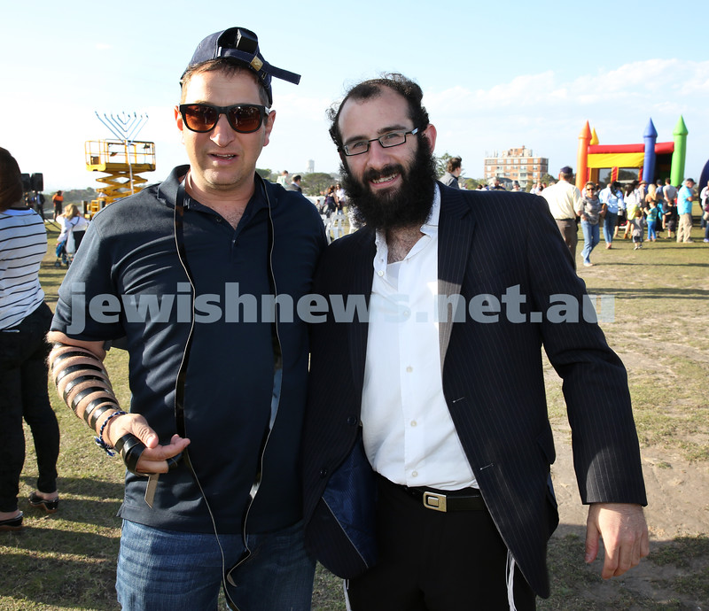 Dover Heights Shule Chanukah Party at Dudley Page Reserve. Jerome Abrahams & Chida Levitansky.