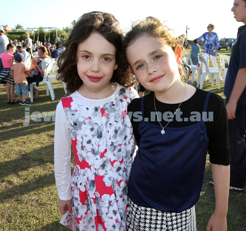 Dover Heights Shule Chanukah Party at Dudley Page Reserve. Esther Davis and Liorah Kessel.