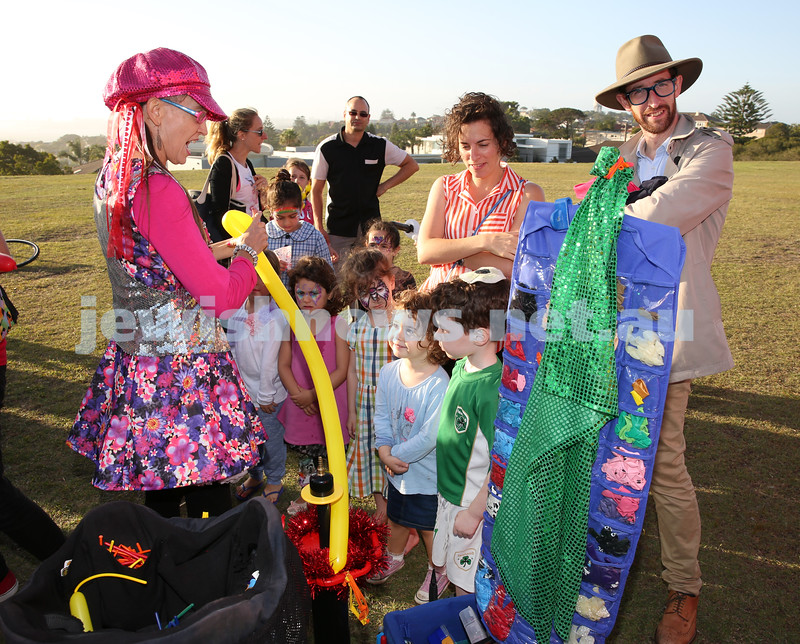 Dover Heights Shule Chanukah Party at Dudley Page Reserve. Baloon lady entertains the children.