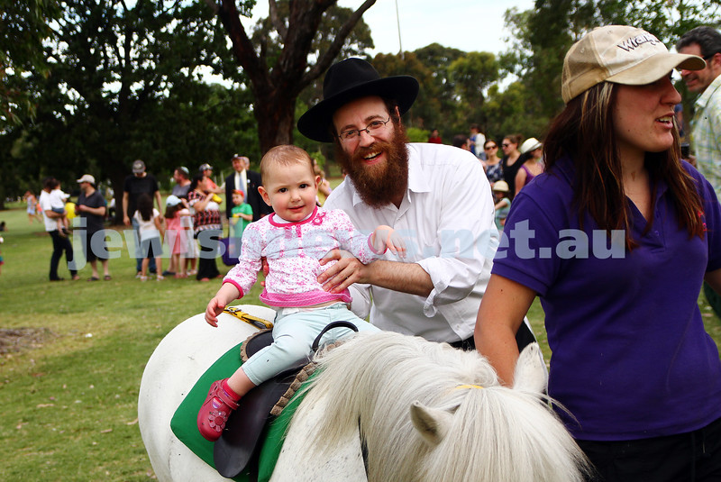 1-12-13.  Chanukah in the Park  2013 at Melbourne's Caulfield Park.  Photo: Peter Haskin