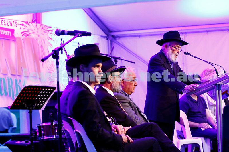 27-12-16. Thousands of people gathered at Caulfield Park for the annual Chanukah In The Park festivities. Photo: Peter Haskin