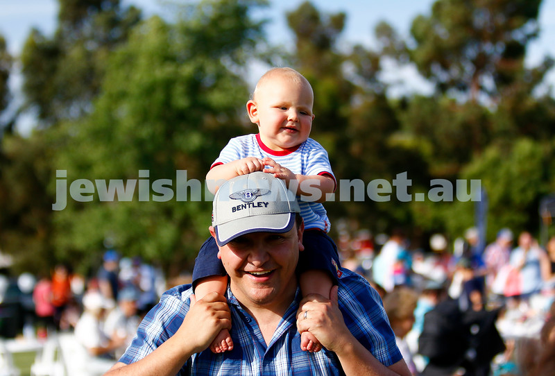 17-12-17. Chanukah in Caulfield Park 2017. Photo: Peter Haskin