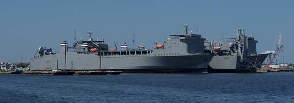 Roll-on/roll-off transport ships