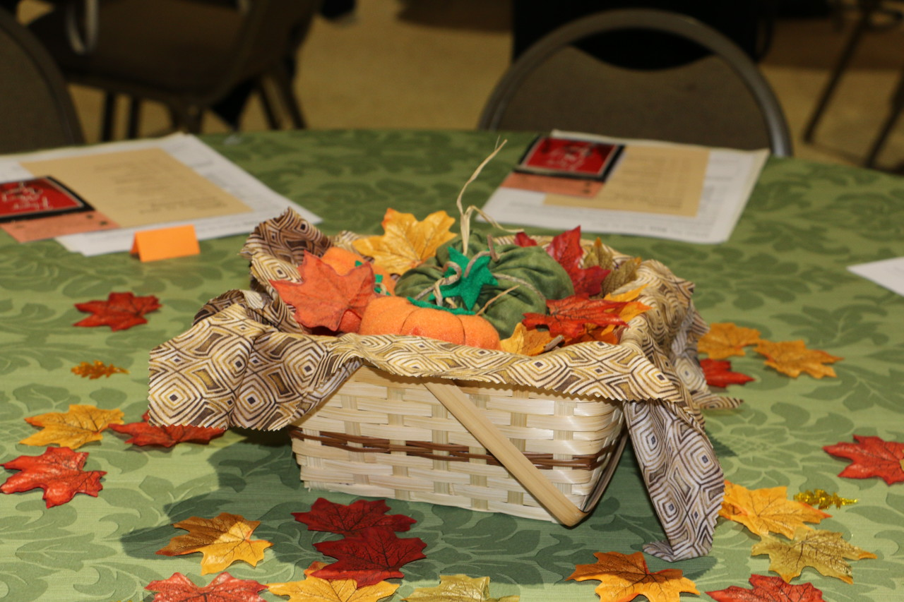Table decorations created by Mary Jane Fuller were raffled off at the meeting