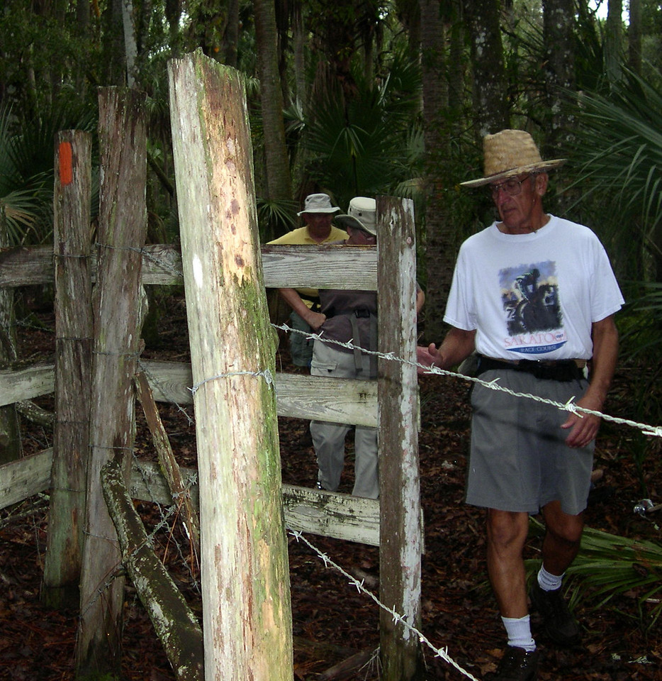 Hike at Seminole Ranch<br /> photo credit: Susan Young / Florida Trail Association