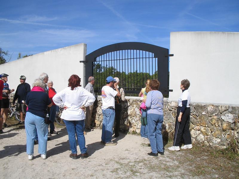 Hiking to the Land Bridge<br /> photo credit: Judy Trotta / Florida Trail Association