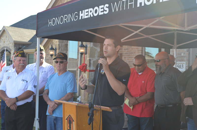 Phil Crone spoke on behalf of the Dallas Builders Association.