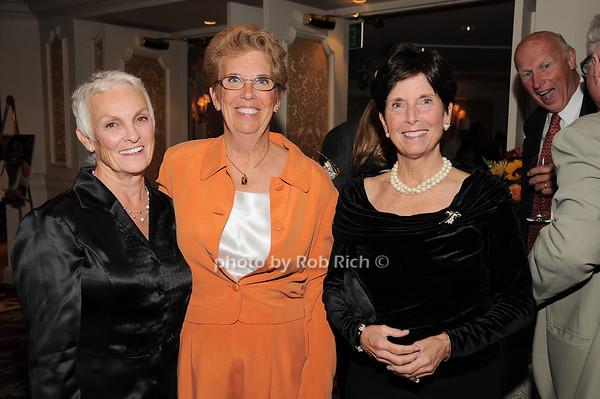 Barbara Romano, Lorraine Bogan, Gloria Grafer<br /> photo by Rob Rich © 2009 robwayne1@aol.com 516-676-3939