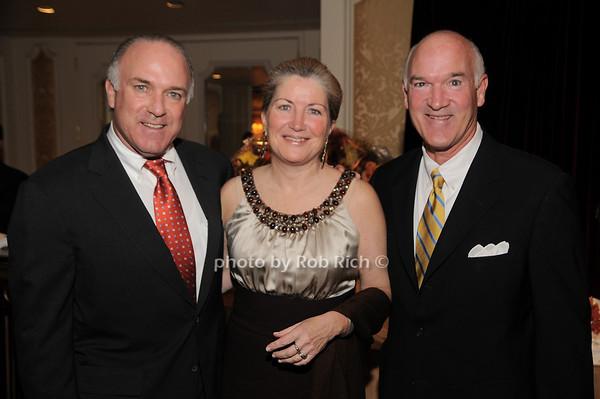 Bernie Kennedy, Lisa Kennedy,Tom Cullen<br /> photo by Rob Rich © 2009 robwayne1@aol.com 516-676-3939