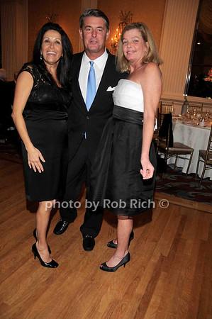 dancing<br /> photo by Rob Rich © 2009 robwayne1@aol.com 516-676-3939