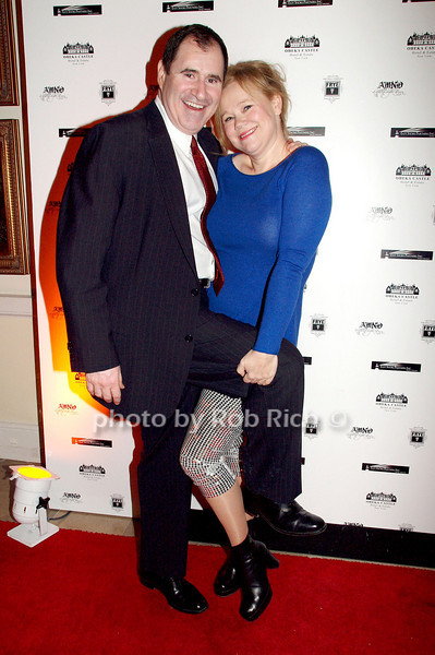 January 7: Richard Kind (Curb Your Enthuiasm) and Caroline Rhea(The Biggest Loser) attend the A MIDWINTER NIGHT'S DREAM RECOGNIZES HEROES FOR HOPE AT the Oheka Castle in Huntington on January 7, 2009.<br /> photo by Rob Rich © 2009 robwayne1@aol.com 516-676-3939