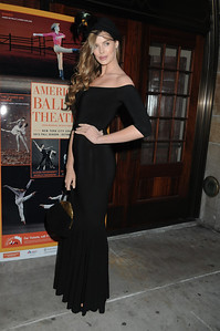 Robyn Lawley American Ballet Theatre Opening Night Fall New York City Center Gala Arrivals New York City, USA- 10-16-12 all photo by Rob Rich © 2012 robwayne1@aol.com 516-676-3939