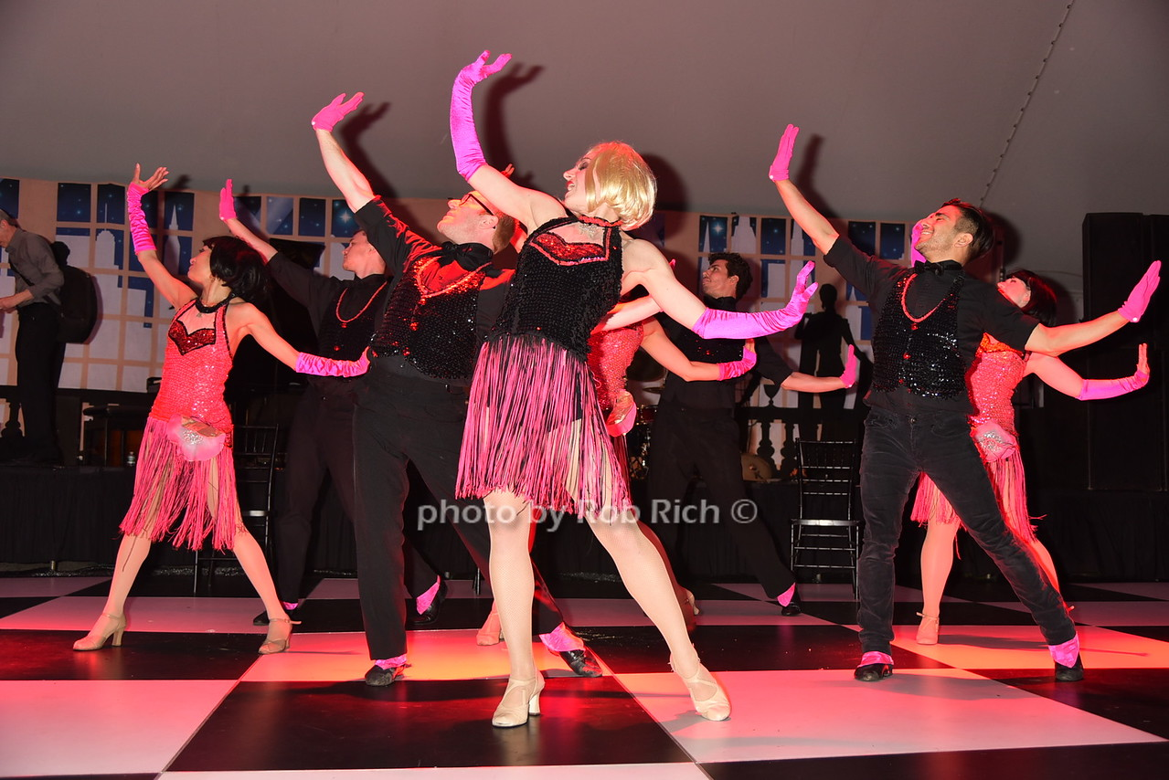 "performers ( ""All that Jazz"" from Chicago)