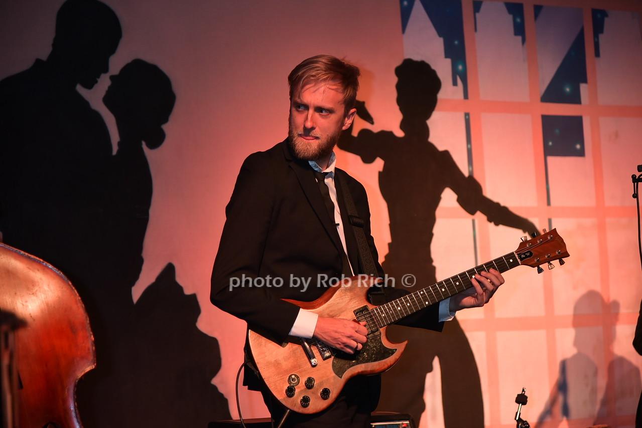 musicianphoto by Rob Rich/SocietyAllure.com © 2016 robwayne1@aol.com 516-676-3939