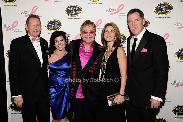 Elton John, guests<br /> photo by Rob Rich © 2010 robwayne1@aol.com 516-676-3939