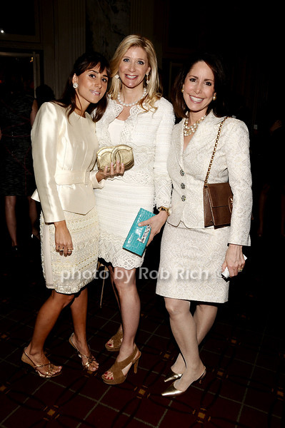 Rachel Heller, Michelle Swarzman, Suzanne Bakst<br /> photo by Rob Rich © 2010 robwayne1@aol.com 516-676-3939